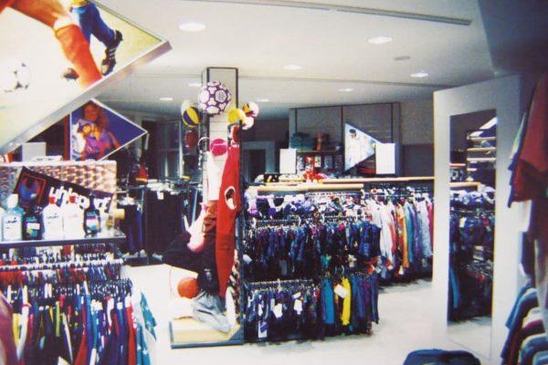 Textilabteilung bei der Neueröffnung 1993