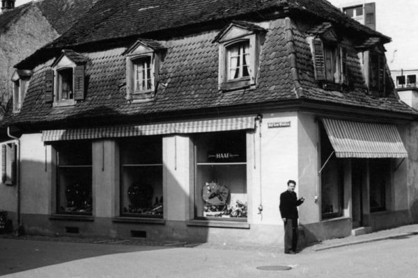 Das neue Geschäftshaus 1952