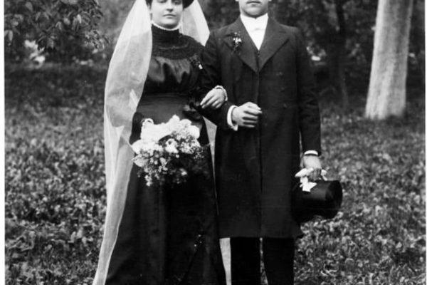 Hochzeitsfoto von Friedrich und Agathe Haaf 1911