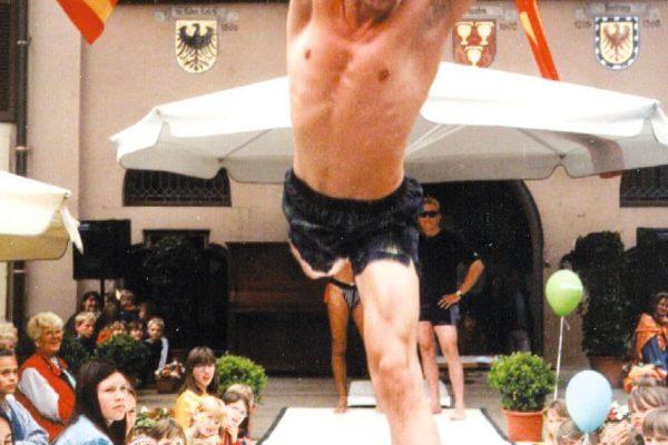 Modenschau in Staufen auf dem Marktplatz 1997