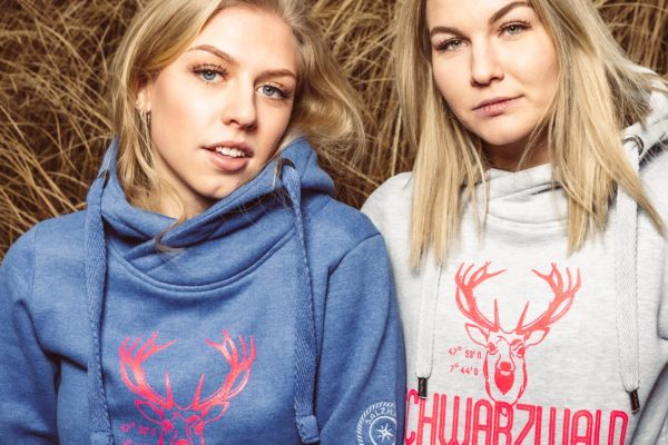 schwarzwald-pulli-hirsch-damen