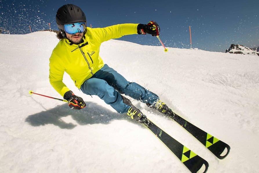 Wir bringen Ihre Ski in Bestform: Belag ausbessern // Kanten schleifen // wachsen und vieles mehr